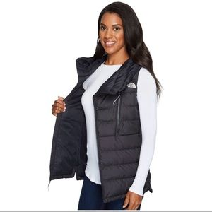 d1543b72ccdc The North Face Jackets   Coats - New The North Face Women s Niche Vest  Hooded Down